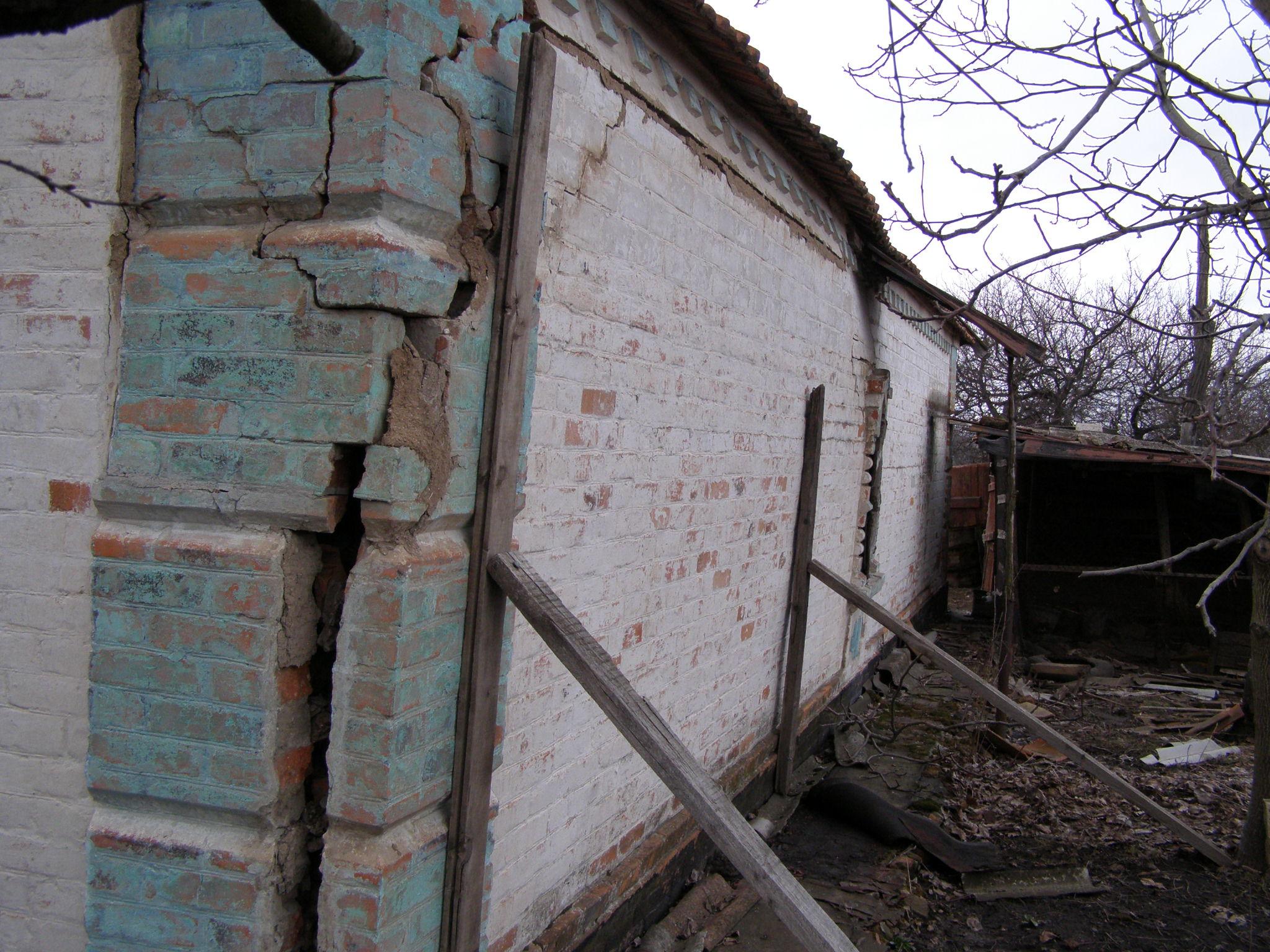 Как построить загородный дом из кирпича, без опыта в строительстве?
